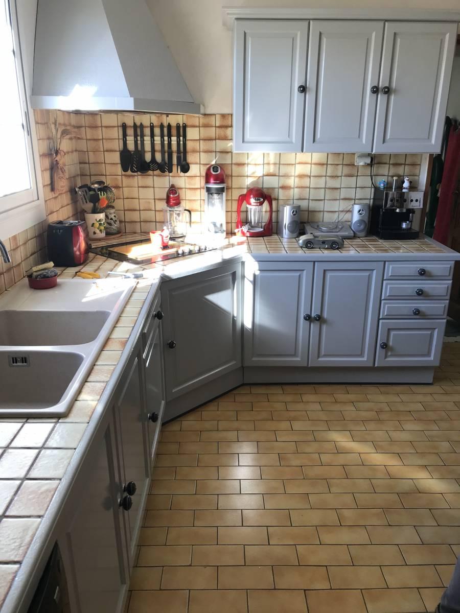 Repeindre Meuble Cuisine Rustique comment repeindre une ancienne cuisine pour la moderniser à